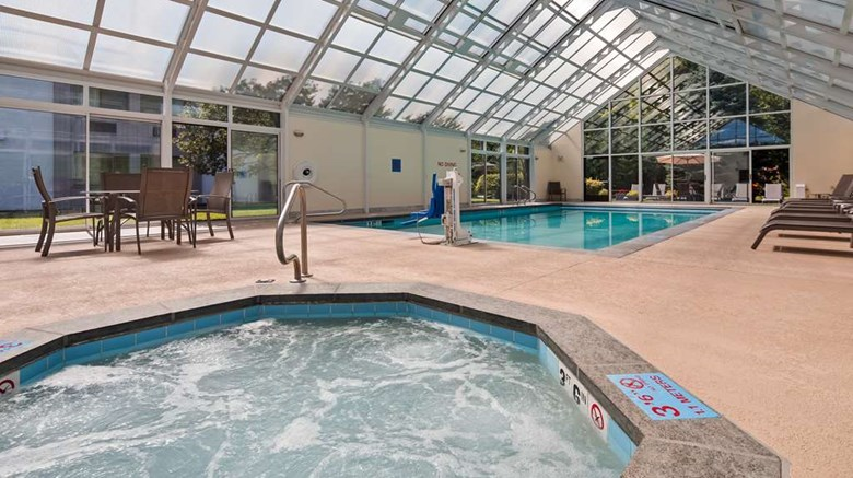 "Best Western Plus Waterbury - Stowe Pool. Images powered by <a href='http://web.iceportal.com'  target=""_blank"">Ice Portal</a>."