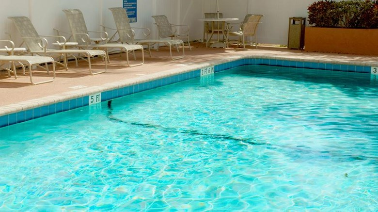 "Best Western Emporia Pool. Images powered by <a href='http://web.iceportal.com'  target=""_blank"">Ice Portal</a>."