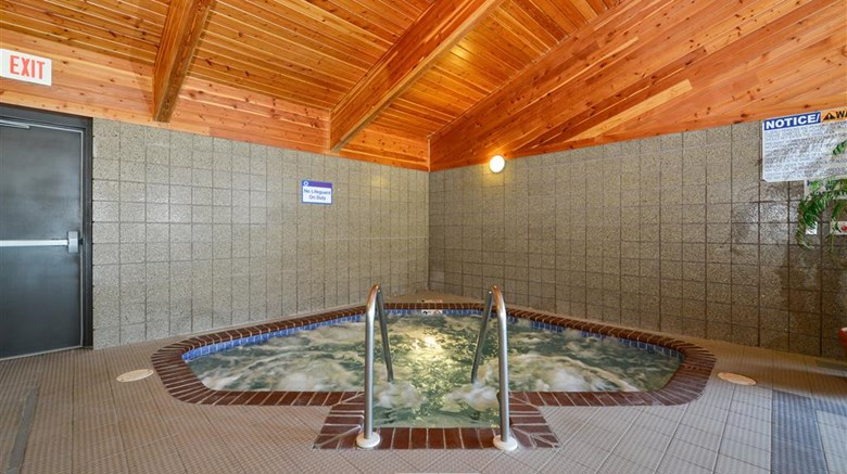 "Best Western Stanton Inn Pool. Images powered by <a href='http://web.iceportal.com'  target=""_blank"">Ice Portal</a>."