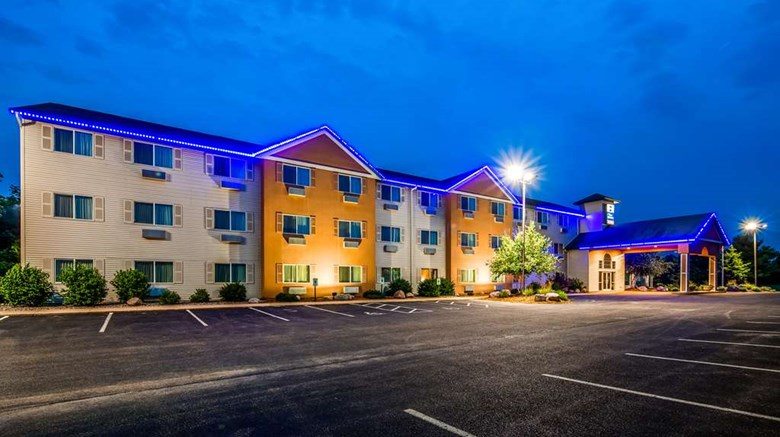 "Best Western Wittenberg Inn Exterior. Images powered by <a href='http://web.iceportal.com'  target=""_blank"">Ice Portal</a>."