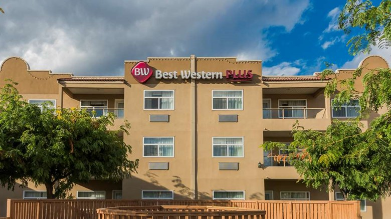 "Best Western Plus Sunrise Inn Exterior. Images powered by <a href='http://web.iceportal.com'  target=""_blank"">Ice Portal</a>."