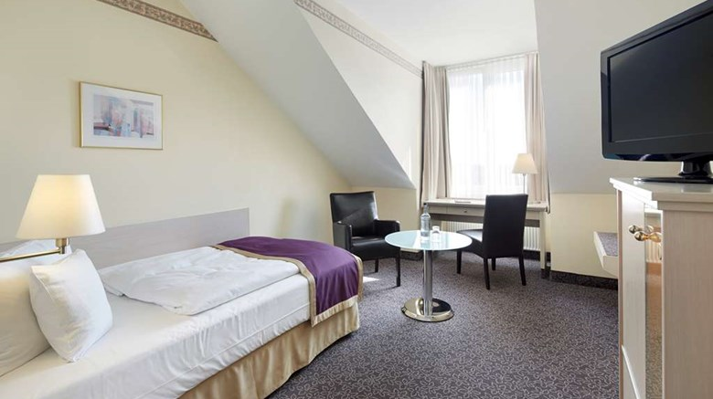 "Best Western Hotel Helmstedt Room. Images powered by <a href='http://web.iceportal.com'  target=""_blank"">Ice Portal</a>."