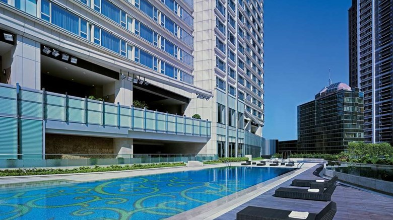"Hyatt Regency Hong Kong, Tsim Sha Tsui Pool. Images powered by <a href='http://web.iceportal.com'  target=""_blank"">Ice Portal</a>."