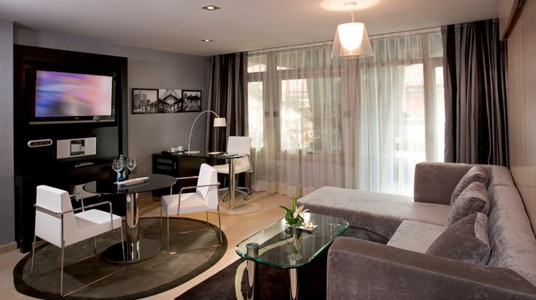 "Melia Madrid Princesa Suite. Images powered by <a href='http://web.iceportal.com'  target=""_blank"">Ice Portal</a>."