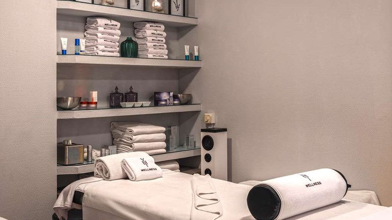 "Melia Madrid Princesa Spa. Images powered by <a href='http://web.iceportal.com'  target=""_blank"">Ice Portal</a>."