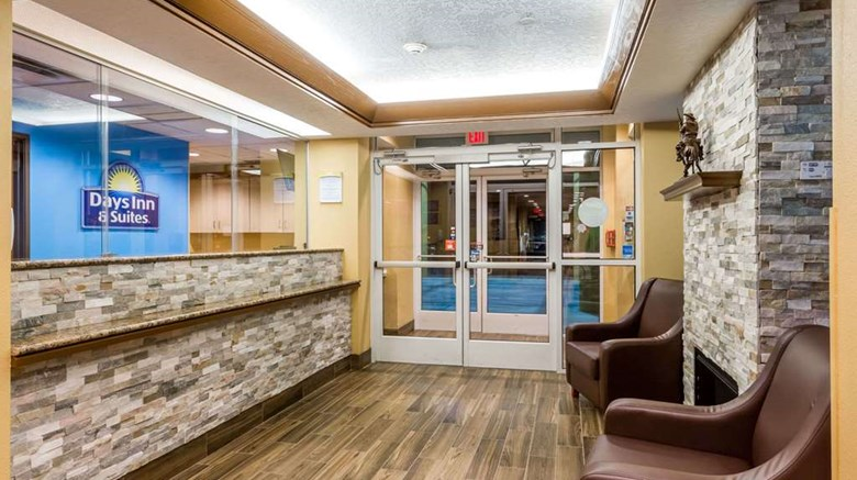 "Days Inn Vernal Lobby. Images powered by <a href='http://web.iceportal.com'  target=""_blank"">Ice Portal</a>."