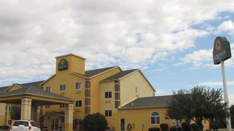 "La Quinta Inn Peru Exterior. Images powered by <a href='http://web.iceportal.com'  target=""_blank"">Ice Portal</a>."