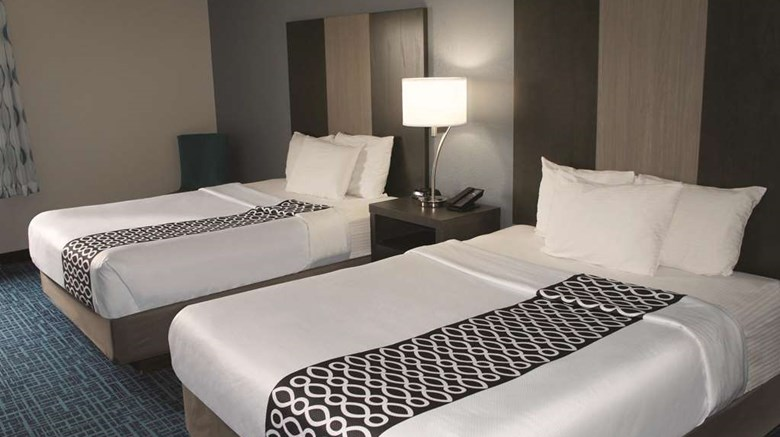 "La Quinta Inn Peru Room. Images powered by <a href='http://web.iceportal.com'  target=""_blank"">Ice Portal</a>."