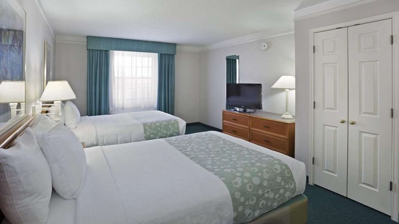 "La Quinta Inn Omaha West Room. Images powered by <a href='http://web.iceportal.com'  target=""_blank"">Ice Portal</a>."