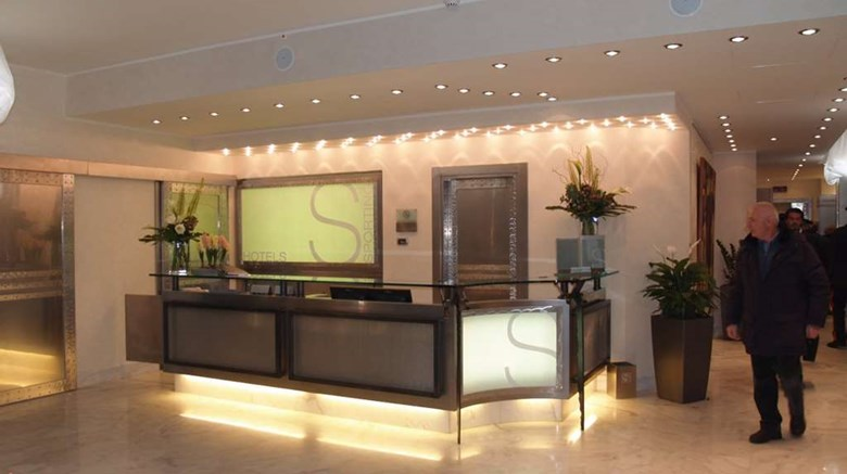 "Sporting Hotel Lobby. Images powered by <a href='http://web.iceportal.com'  target=""_blank"">Ice Portal</a>."