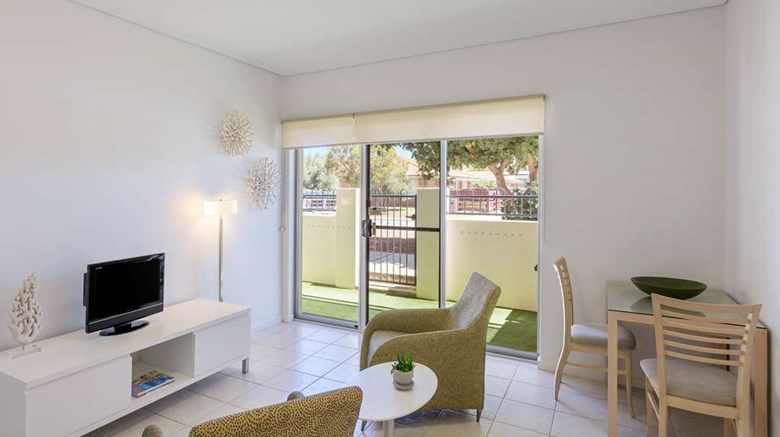 "Waldorf Geraldton Serviced Apartments Exterior. Images powered by <a href='http://web.iceportal.com'  target=""_blank"">Ice Portal</a>."