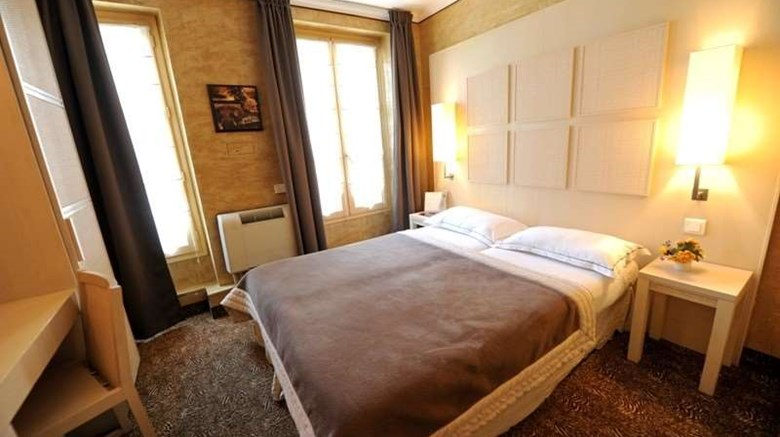 "Hotel du Vieux Saule Room. Images powered by <a href='http://web.iceportal.com'  target=""_blank"">Ice Portal</a>."