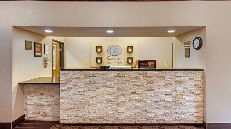 "Comfort Suites Council Bluffs Lobby. Images powered by <a href='http://web.iceportal.com'  target=""_blank"">Ice Portal</a>."
