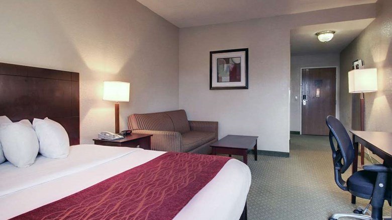"Rodeway Inn Columbia Suite. Images powered by <a href='http://web.iceportal.com'  target=""_blank"">Ice Portal</a>."