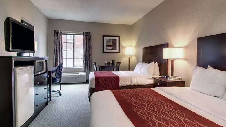 "Rodeway Inn Columbia Room. Images powered by <a href='http://web.iceportal.com'  target=""_blank"">Ice Portal</a>."