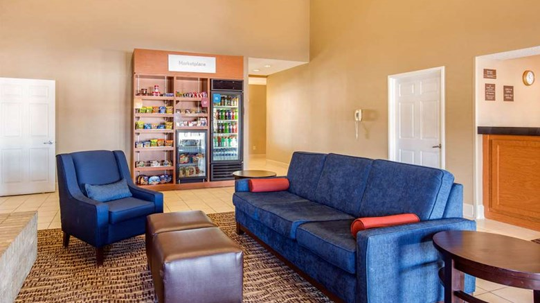 "Comfort Suites, Normal Lobby. Images powered by <a href='http://web.iceportal.com'  target=""_blank"">Ice Portal</a>."