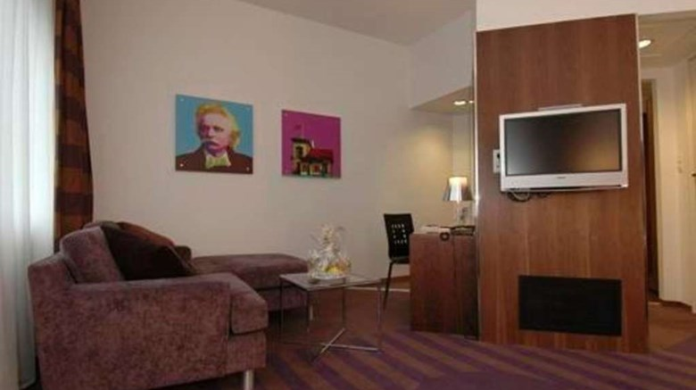 "Quality Hotel Edvard Grieg Room. Images powered by <a href=&#39;http://web.iceportal.com&#39;  target=""_blank"">Ice Portal</a>."