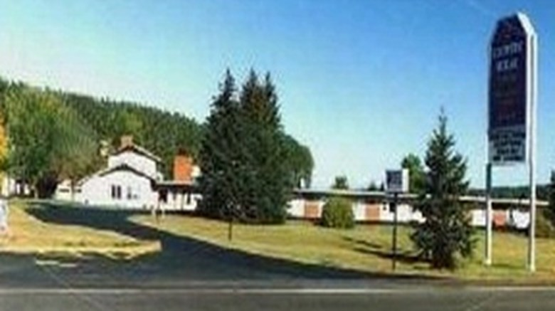 Country House Motel and RV Park Exterior
