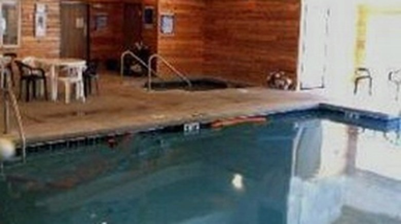 Country House Motel and RV Park Pool