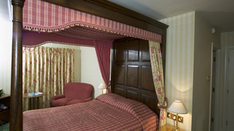 "Tankersley Manor Room. Images powered by <a href='http://www.leonardo.com'  target=""_blank"">Leonardo</a>."