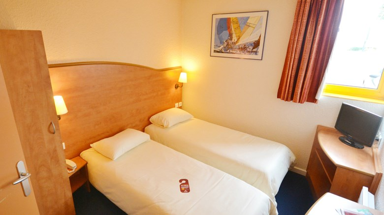 "Hotel Best Hotel Caen Citis / Herouville Room. Images powered by <a href='http://www.leonardo.com'  target=""_blank"">Leonardo</a>."