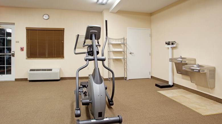 "Candlewood Suites Sumter Health Club. Images powered by <a href='http://www.leonardo.com'  target=""_blank"">Leonardo</a>."