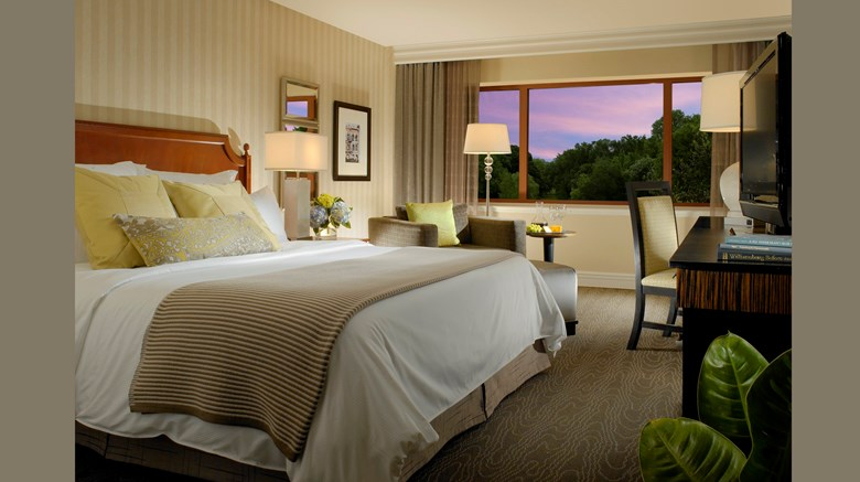 "Omni Charlottesville Hotel Room. Images powered by <a href='http://www.leonardo.com'  target=""_blank"">Leonardo</a>."