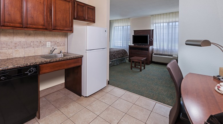 "Staybridge Suites Near Six Flags Room. Images powered by <a href=&#39;http://www.leonardo.com&#39;  target=""_blank"">Leonardo</a>."