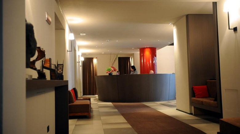 "IH Hotels Milano Ambasciatori Lobby. Images powered by <a href='http://www.leonardo.com'  target=""_blank"">Leonardo</a>."