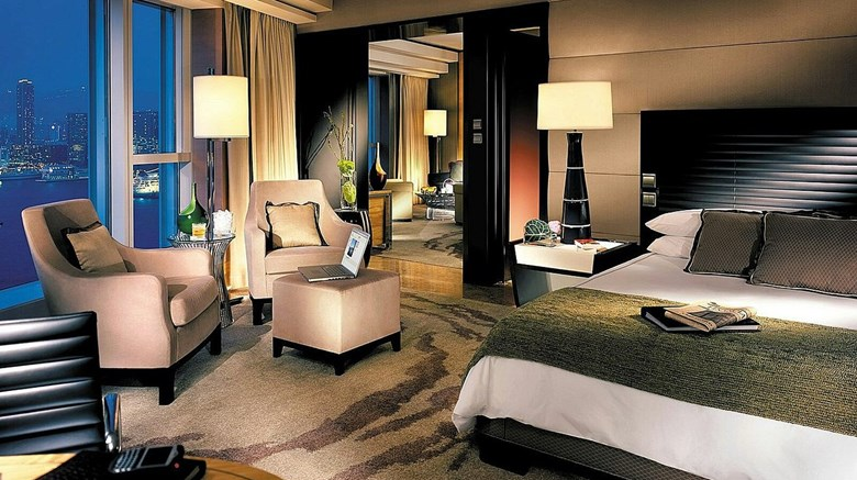 "Four Seasons Hong Kong Suite. Images powered by <a href=&#39;http://www.leonardo.com&#39;  target=""_blank"">Leonardo</a>."