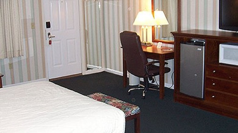 "The Village Inn Room. Images powered by <a href='http://www.leonardo.com'  target=""_blank"">Leonardo</a>."