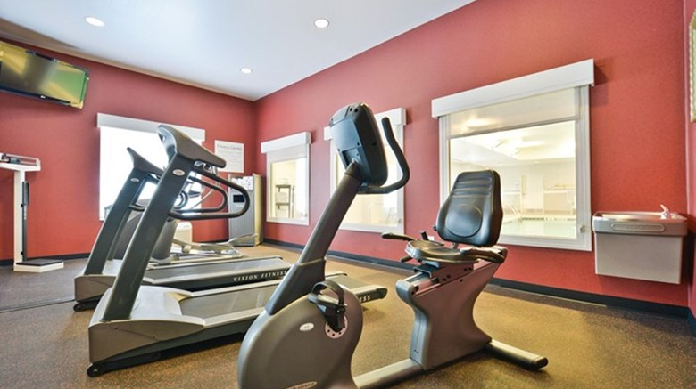 "Holiday Inn Express and Suites Utica Health Club. Images powered by <a href='http://www.leonardo.com'  target=""_blank"">Leonardo</a>."
