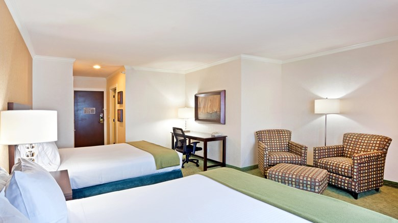 "Holiday Inn Express Hotel & Suites Room. Images powered by <a href='http://www.leonardo.com'  target=""_blank"">Leonardo</a>."