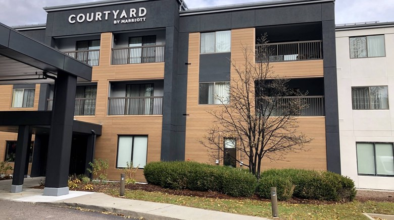 Courtyard By Marriott Exterior