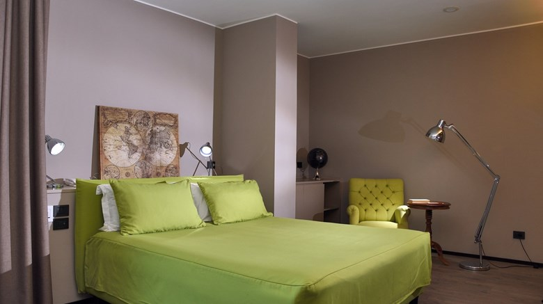 "H2C Hotel Milanofiori Room. Images powered by <a href='http://www.leonardo.com'  target=""_blank"">Leonardo</a>."