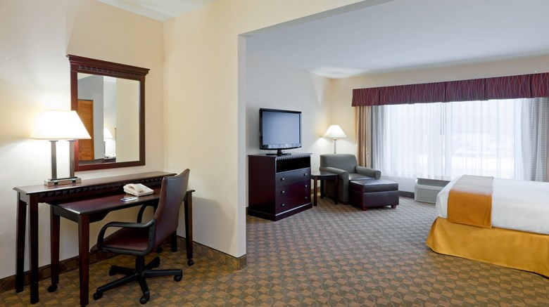 "Holiday Inn Express & Suites Suite. Images powered by <a href='http://www.leonardo.com'  target=""_blank"">Leonardo</a>."