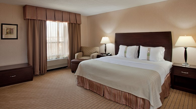 "Holiday Inn St Louis Airport Suite. Images powered by <a href='http://www.leonardo.com'  target=""_blank"">Leonardo</a>."