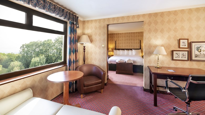"Copthorne Hotel Cardiff Suite. Images powered by <a href='http://www.leonardo.com'  target=""_blank"">Leonardo</a>."
