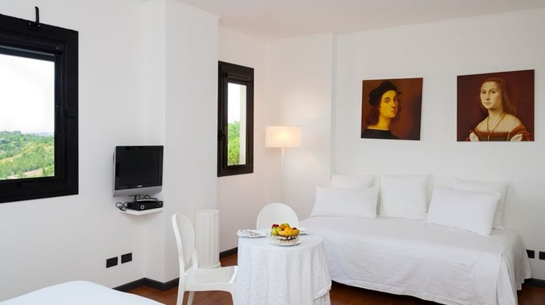 "Hotel Mamiani Suite. Images powered by <a href='http://www.leonardo.com'  target=""_blank"">Leonardo</a>."