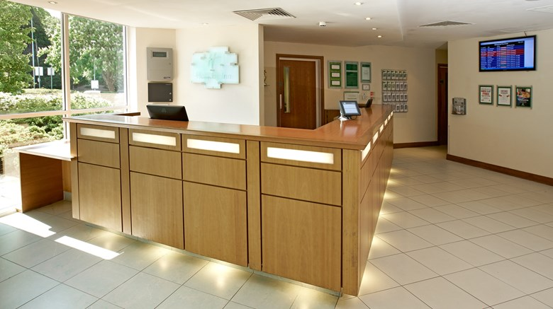 "Holiday Inn Bristol Airport Lobby. Images powered by <a href='http://www.leonardo.com'  target=""_blank"">Leonardo</a>."