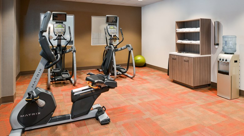 "Holiday Inn Poplar Bluff Health Club. Images powered by <a href='http://www.leonardo.com'  target=""_blank"">Leonardo</a>."