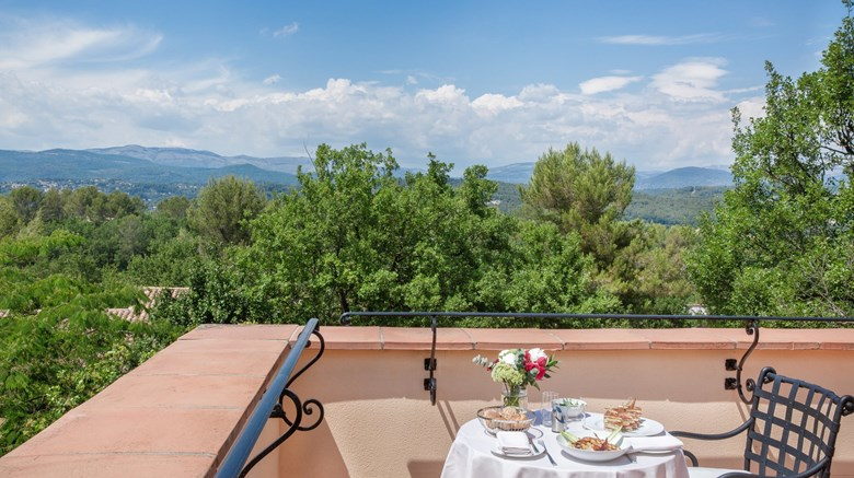 "Terre Blanche Hotel Spa Golf Resort Suite. Images powered by <a href='http://www.leonardo.com'  target=""_blank"">Leonardo</a>."