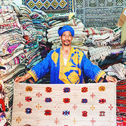 <p>Begin and end your trip at Marrakech's Central Souls (markets). // © 2016 Michelle Rae Uy</p><p>Feature image (above): Wander the colorful streets...