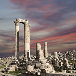 The Temple of Hercules in Amman, Jordan // © 2014 Thinkstock
