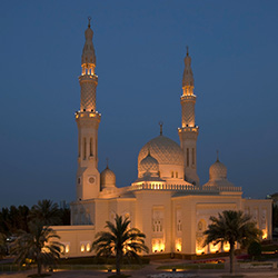 Agents will visit Jumeirah Mosque during their guided tour of Dubai. // © 2014 Thinkstock