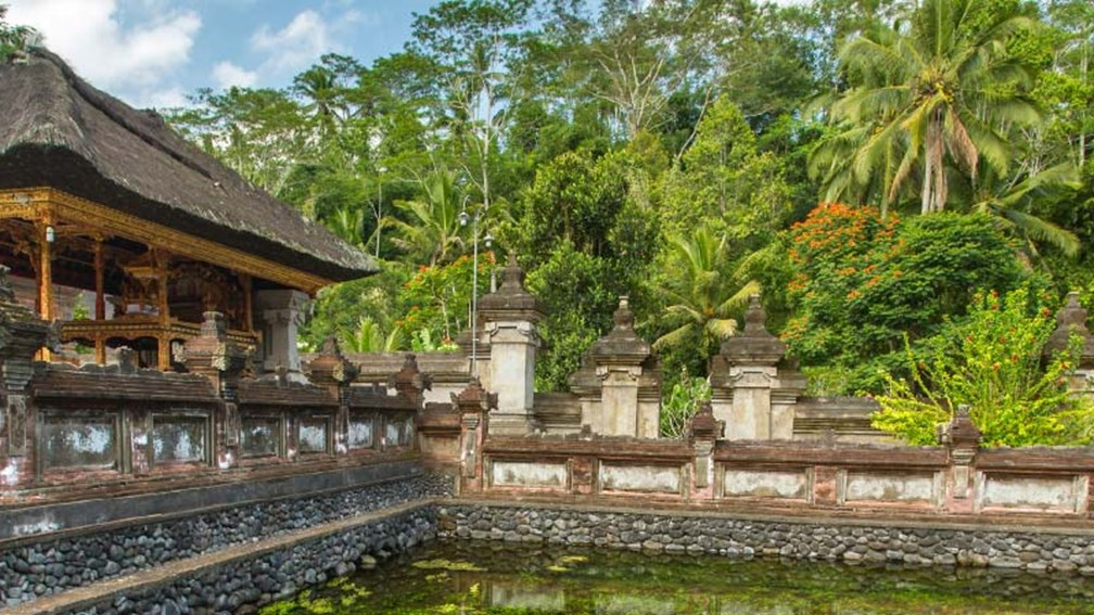 The Tirta Empul water temple is dedicated to spiritual purification. // © 2016 iStock 2