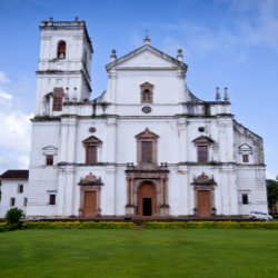The Se' Cathedral dates back to the early 1600s. // © 2014 Abhiomkar photography