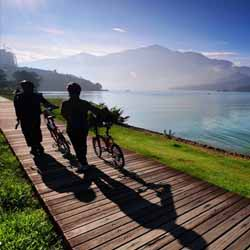 Visitors to the Taiwan Cycling Festival can ride around Sun Moon Lake, considered one of the world's best bike routes. // © Sun Moon Lake