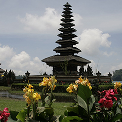 <p>Agents will be able to visit many of Ubud's ancient temples during this eight-day trip through Bali. // © 2017 Creative Commons user...