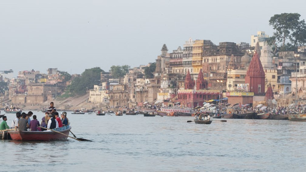 After bathing in the ghats, many Hindus go to one of Varanasi's many temples to pray. // © 2014 Mindy Poder